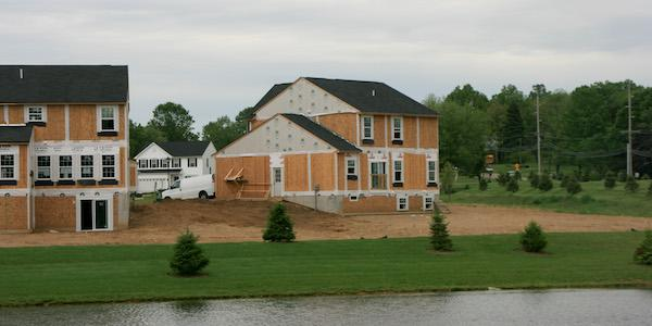 Median size of house lots falls to record low