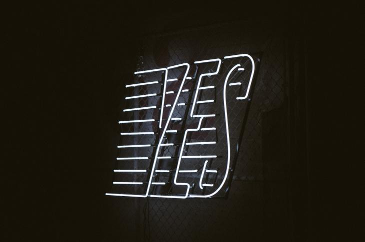 'Yes' neon sign